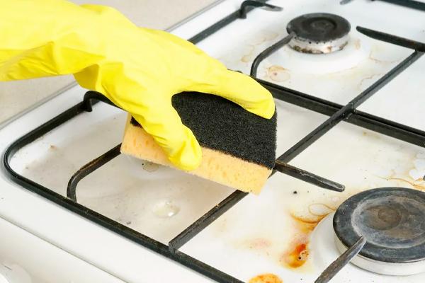 Отмываем решетку и газовую плиту. Чисто и быстро